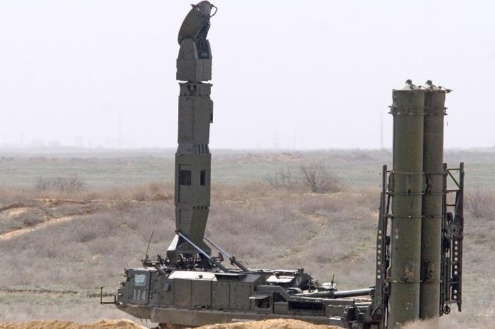 Эксперт назвал возможную причину доставки ЗРС С-300 в Сирию