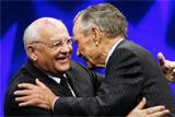 Горбачев вместе с Бушем-старшим попытается наладить отношения между США и РФ
