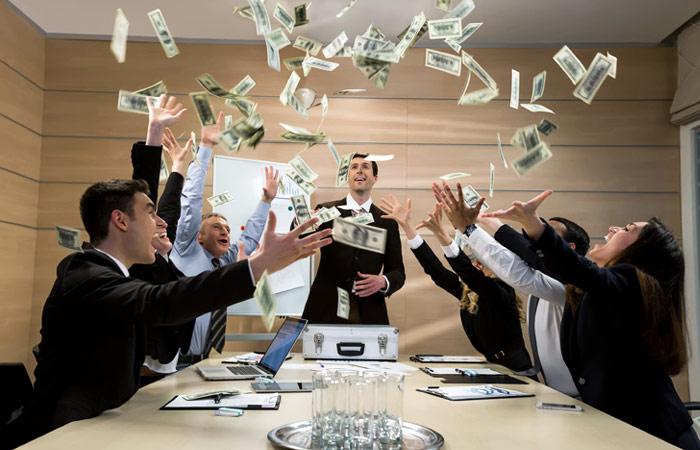 Четверть россиян назвали деньги условием успеха в жизни