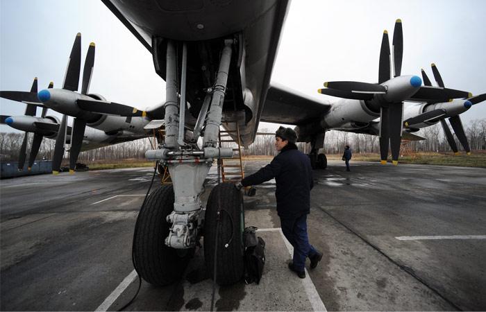 На аэродроме под Иркутском загорелся бомбардировщик Ту-95МС