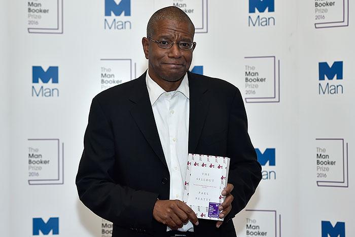 Американский роман о расизме получил Букеровскую премию
