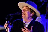 Боб Дилан согласился принять Нобелевскую премию по литературе