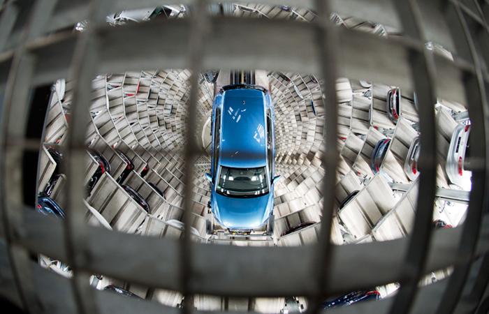 Автомобили подорожают снового года