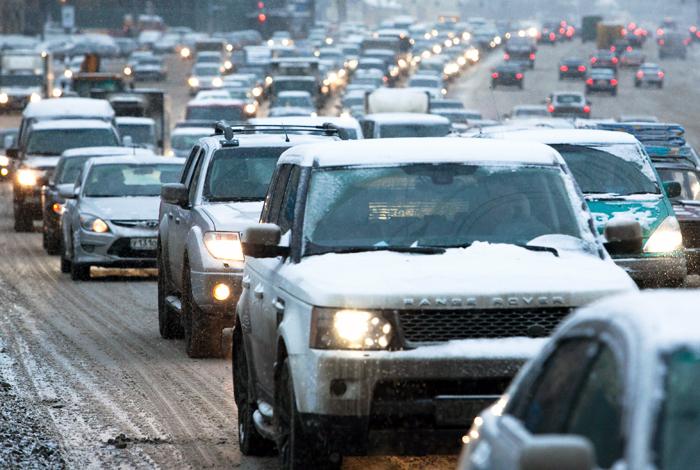Снегопад в Москве спровоцировал 9-балльные пробки