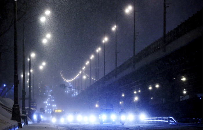 Высота снежного покрова встолице колеблется от15 до18 сантиметров
