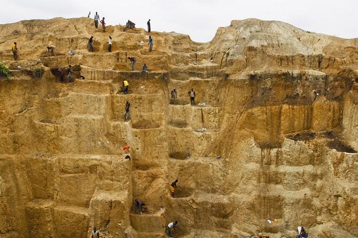 ВНигерии неизвестные расстреляли 36 золотоискателей