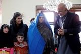 """В Кабуле встретили депортированную из Пакистана """"Афганскую Мону Лизу"""""""