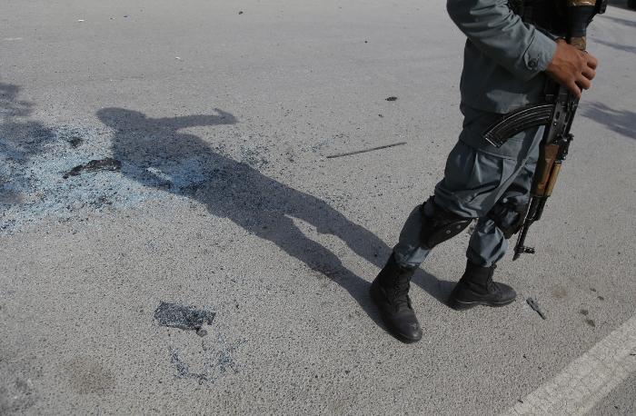 Смертник взорвал машину на территории немецкого генконсульства в Афганистане
