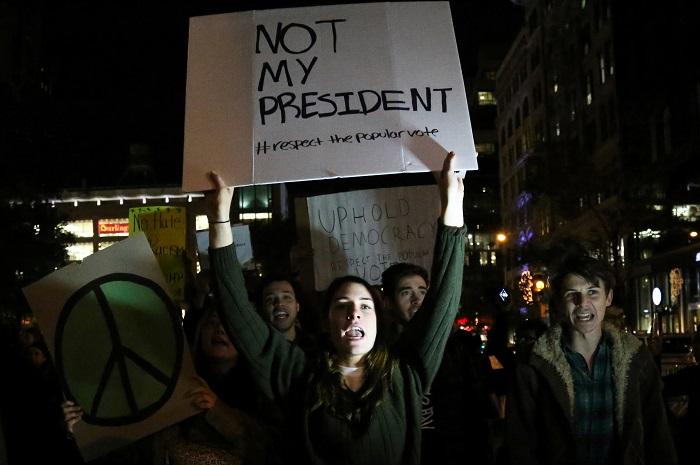 Протестующие против избрания Трампа заявили о готовности к долгой борьбе