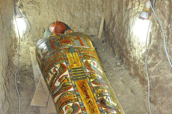 Археологи отыскали вЛуксоре мумию, чей возраст превосходит три тысячи лет