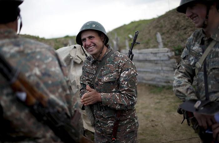 Путин одобрил создание объединенной группировки войск России и Армении
