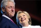 Российские СМИ взяли новость о разводе четы Клинтон с фейкового сайта