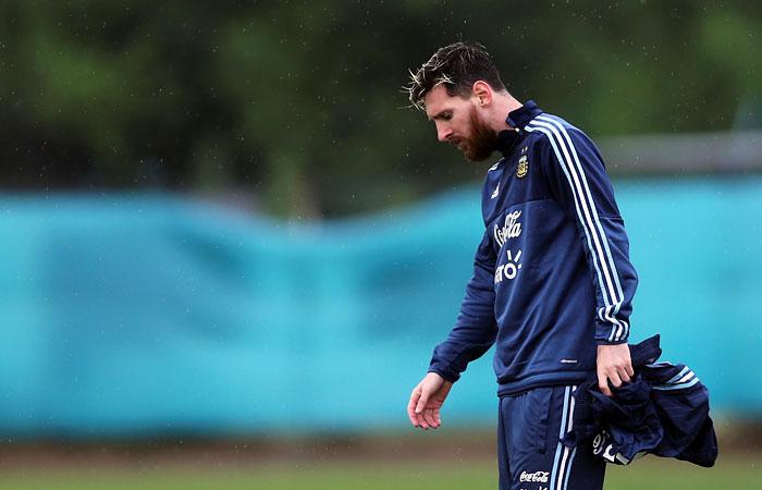 """СМИ узнали об отказе Месси продлевать контракт с """"Барселоной"""""""