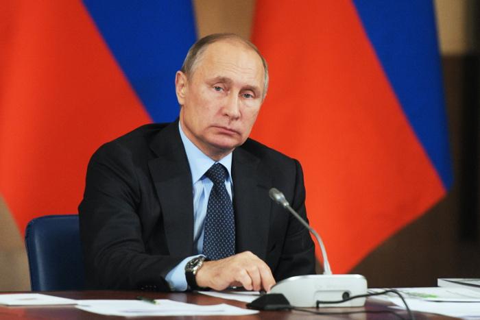 Две трети россиян желали бы видеть Путина президентом после 2018 года