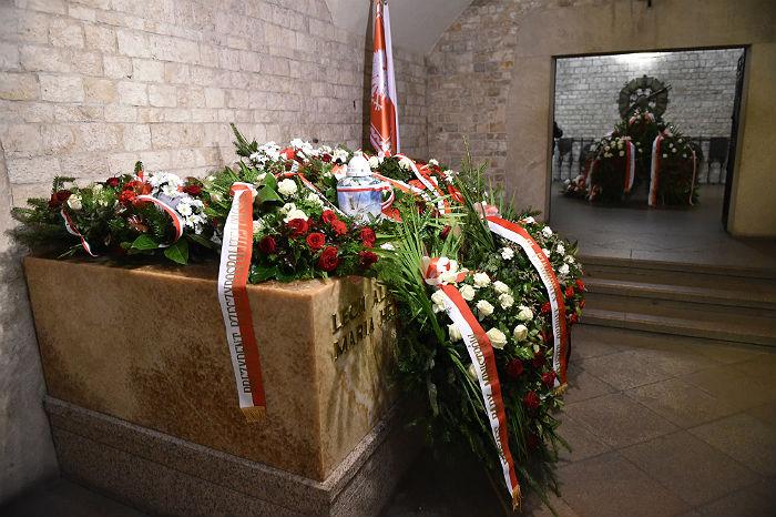 Останки Леха Качиньского перезахоронили после проведенной эксгумации