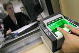 МВД предложило снимать отпечатки пальцев у всех въезжающих в РФ иностранцев