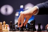 Карлсен и Карякин сыграли вничью в 11-й партии матча за шахматную корону