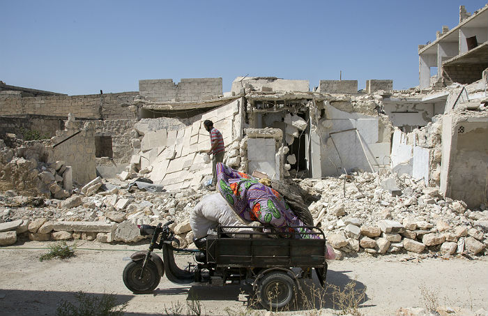 Подконтрольный боевикам район Алеппо покинули 903 мирных жителя