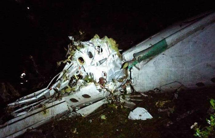 На месте авиакатастрофы в Колумбии обнаружен шестой выживший