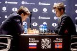 Илюмжинов назвал равными шансы Карякина и Карлсена на победу