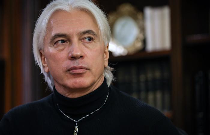 Дебют Хворостовского в огромном театре отменили из-за болезни певца