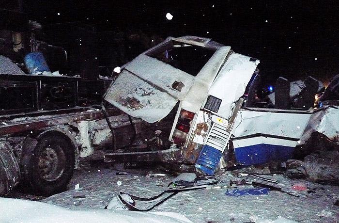 Четверо пострадавших после ДТП савтобусом вЮгре находятся вочень тяжелом состоянии