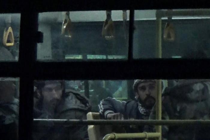 Три тысячи боевиков сдали оружие ипокинули пригород Дамаска