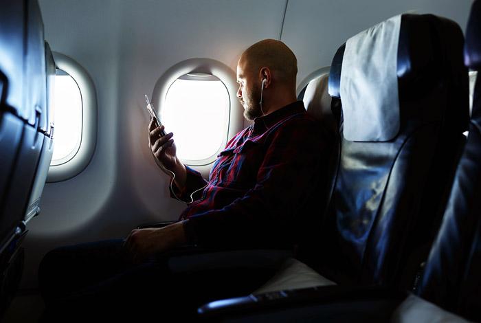 Разведки США и Великобритании сканировали телефоны пассажиров русской авиакомпании