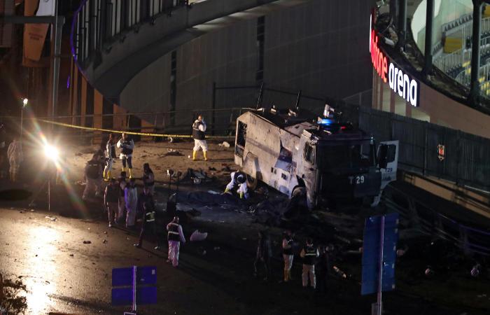 Более 10 человек погибли из-за взрывов в Стамбуле