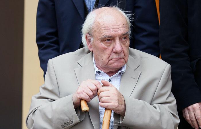 В Кембридже перенесли суд над заболевшим пневмонией диссидентом Буковским