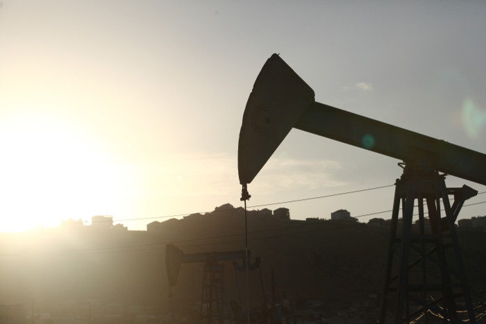 Доходы ИГИЛ от продажи нефти упали вдвое в результате действий ВКС РФ