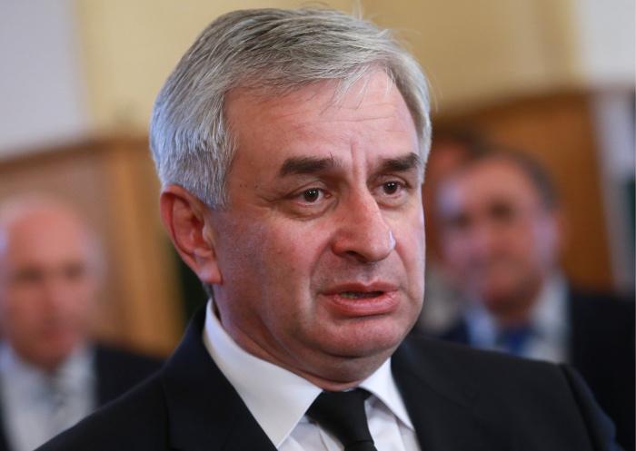 Президент Абхазии предложил оппозиции ряд министерских должностей