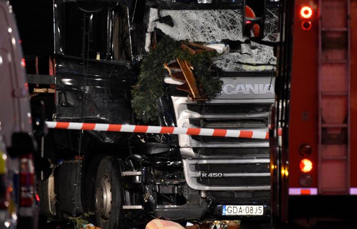 Die Welt: Устроивший теракт в Берлине до сих пор на свободе, полиция задержала не того человека
