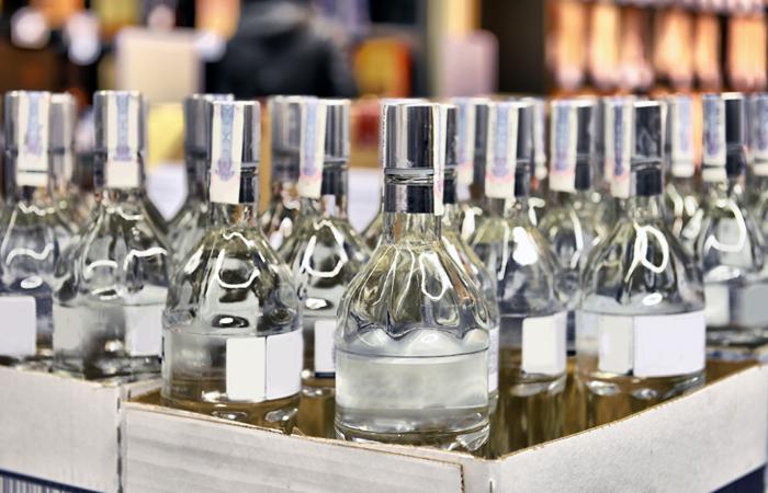 Путин обязал ввести маркировку илицензирование спиртосодержащей продукции