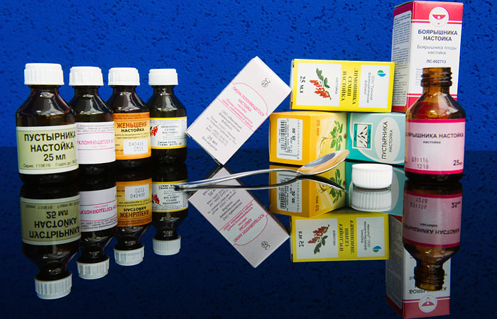 Президент РФ поручил ужесточить правила производства ипродажи спиртосодержащей продукции