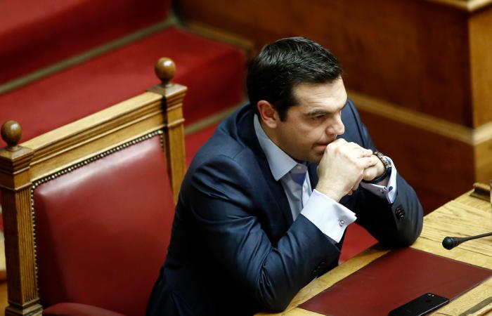 Еврозона возобновит переговоры с Грецией по снижению долговой нагрузки
