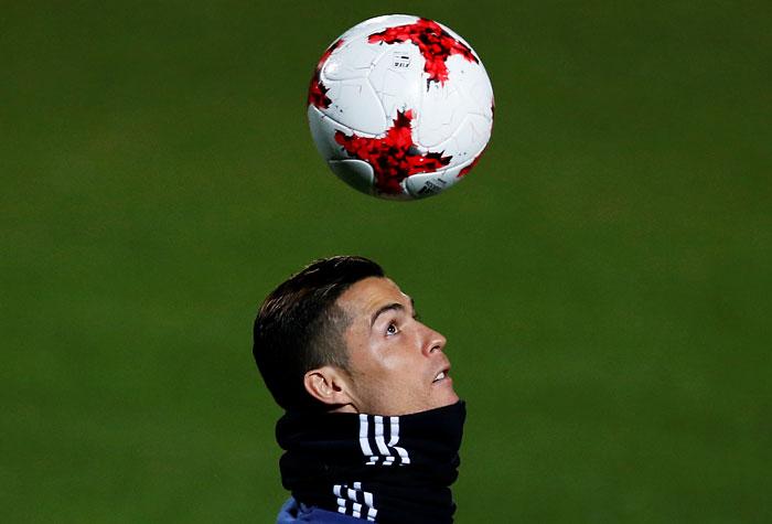 Португальский нападающий мадридского «Реала» Криштиану Роналду признан лучшим европейским спортсменом года