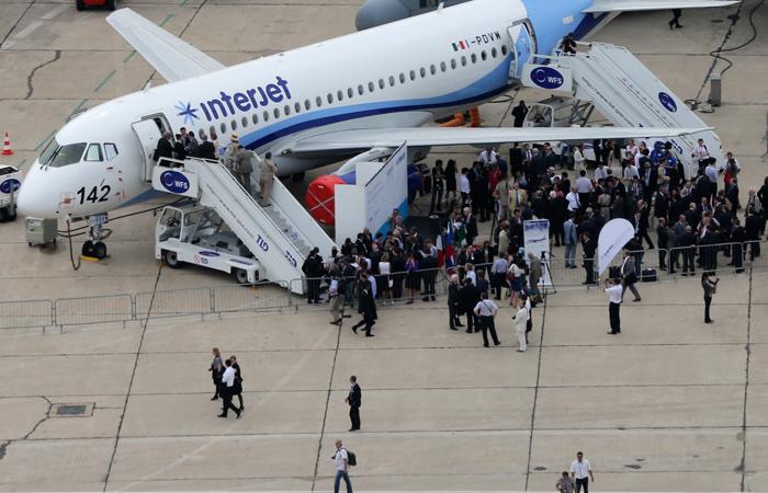 Мексиканская авиакомпания приостановила полеты Sukhoi Superjet 100