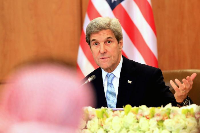 """Израильский министр обвинил госсекретаря США в """"пустой патетике"""""""