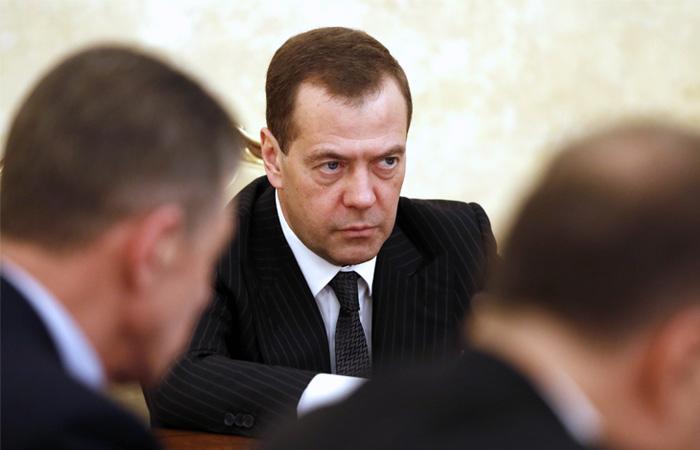 """Медведев заявил об """"антироссийской агонии"""" администрации США"""