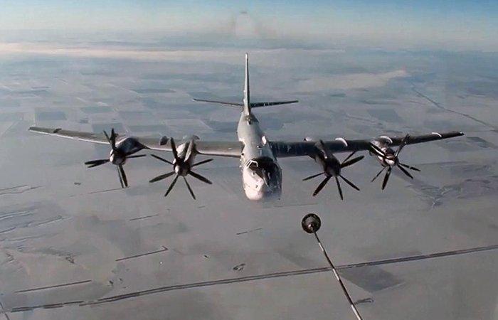 Русская авиация «поздравила снаступающим» боевиковИГ вСирии