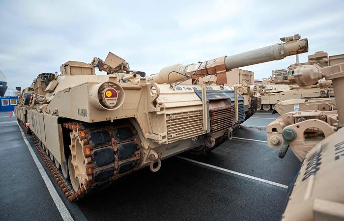 Первые американские танки прибыли в Польшу