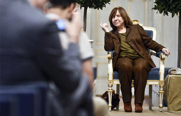 Нобелевский лауреат Алексиевич вышла изРусского ПЕН-центра
