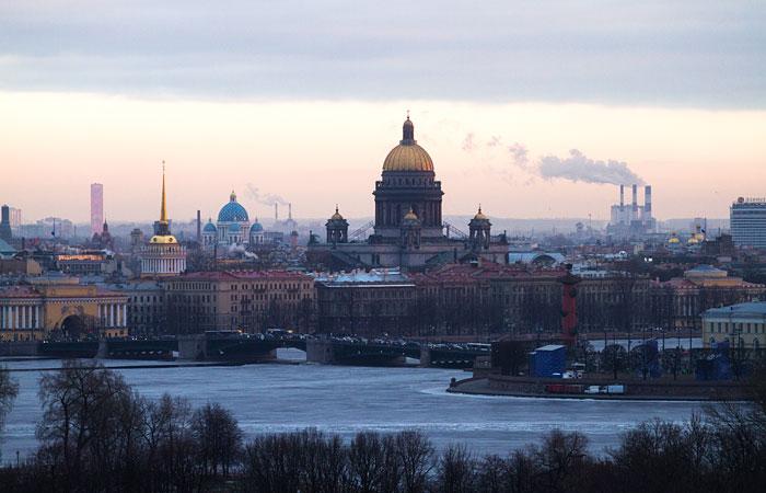 ВПетербурге неменее 2 тыс. человек выступили против передачи Исаакиевского храма РПЦ