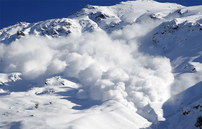 Спасатели назвали возможное число погибших после схода лавины в Италии