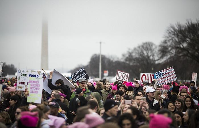 Сотни тысяч женщин по всему миру вышли на акцию против Трампа