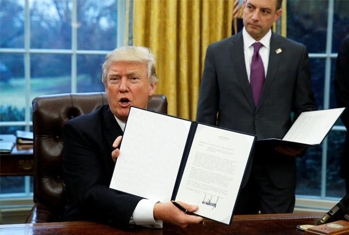 Трамп: США выходит изТранстихоокеанского партнерства