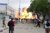 В столице Сомали террористы напали на отель