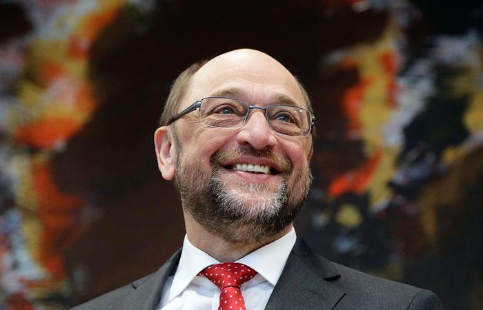 В новом опросе ARD Мартин Шульц догнал по популярности Ангелу Меркель