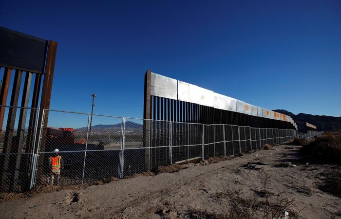Конгресс США не даст денег на строительство стены с Мексикой